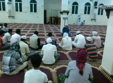 وكالة: خطيب مسجد في عدن باليمن يلغي خطبة وصلاة الجمعة لعدم توفر الأمان