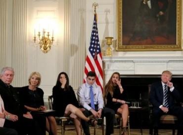 الرئيس الأمريكي يدعم فكرة تسليح المعلمين لحماية المدارس من الهجمات