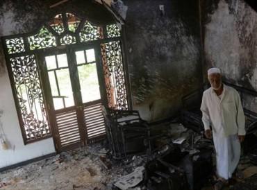 تدمير مسجد في اعتداء على المسلمين في سريلانكا