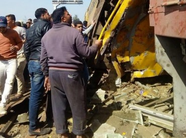مصر.. ارتفاع حصيلة ضحايا تصادم قطارين إلى 19 قتيلاً